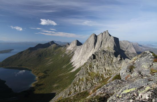 Mountain hiking Tour at Arctic Booking, Ersfjordbotn Brygge